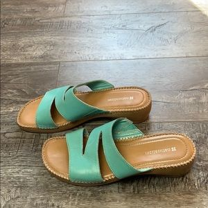 Naturalizer Turquoise Slip On Leather Sandals